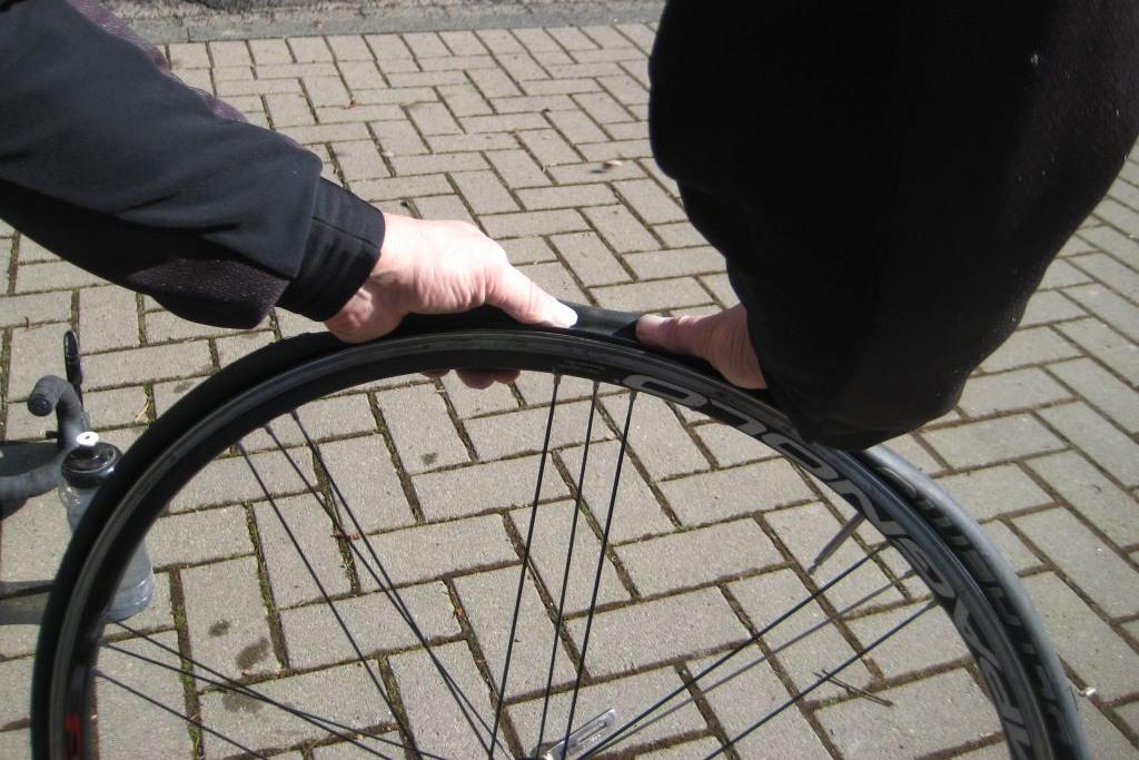 Rennrad reifen richtig aufziehen