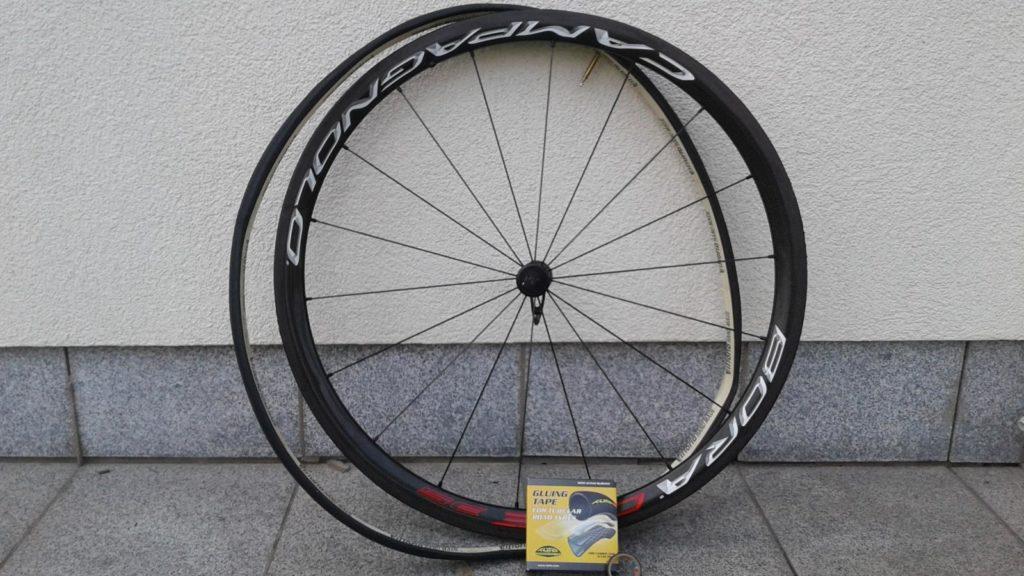 Schlauchreifen kleben mit Tufo Klebeband workshops tests technik Workshop Werkstatt Reifen Laufräder Komponenten Ausrüstung