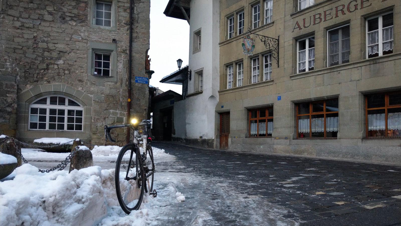 fahrrad fahren im winter sicher unterwegs trotz schnee. Black Bedroom Furniture Sets. Home Design Ideas
