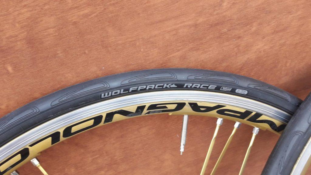 Wolfpack Tires Road Race im Test tests technik rund ums rad Transalp Test Teile Rennradteile Reifen Drahtreifen